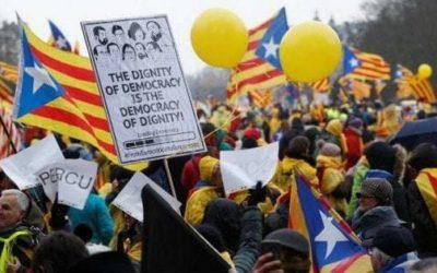 """Catalogna, in 45mila in piazza a Bruxelles per l'indipendenza: """"Europa, svegliati!"""""""