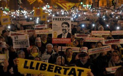 Catalogna, oggi s'insedia il nuovo Parlamento: Roger Torrent è il nuovo presidente