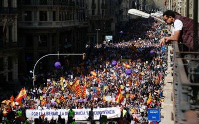 La Catalogna vuole un referendum concordato come la Scozia