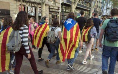 Catalogna, spari contro seggio elettorale nella notte: feriti lievi