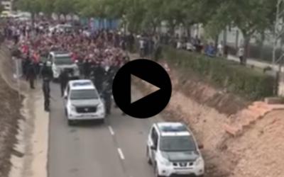 Il popolo ferma la Guardia Civil