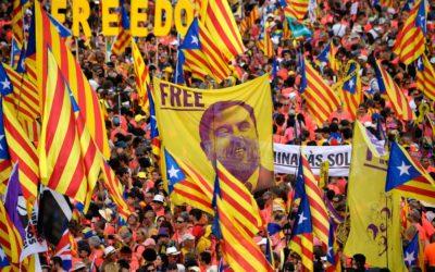 Catalogna, la procura chiede il carcere per gli indipendentisti: 25 anni a Junqueras