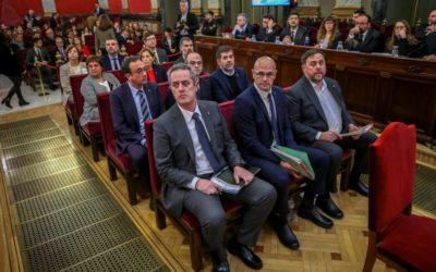 La lunga notte della Catalogna: nei tribunali e nelle urne spagnole ha già perso, ma l'indipendentismo resta vivo