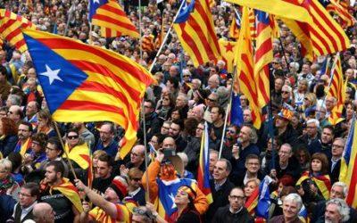Barcellona, a migliaia per indipendenza