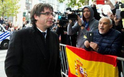 Puigdemont e 4 ministri in procura per interrogatorio
