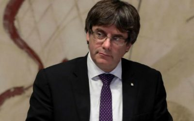 Catalogna, Puigdemont e 4 ex ministri si consegnano alla polizia belga