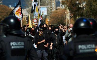 Barcellona, scontri per corteo Vox