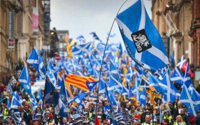 Scozia, in migliaia alla marcia per l'indipendenza da londra