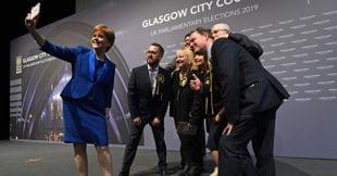 sfida londra scozia avvia procedura l'indipendenza