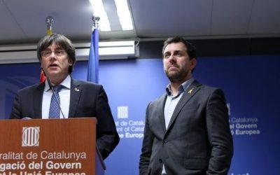 """Catalogna, i giudici belgi annullano la richiesta di estradizione per Puigdemont: """"E' un eurodeputato"""""""